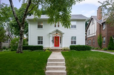 2424 E Beverly Rd Shorewood WI 53211