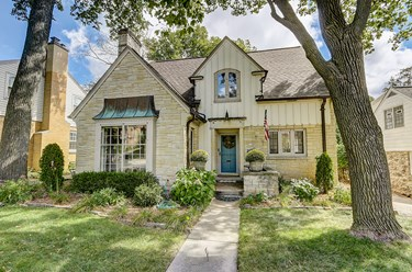 110 N 87th St Wauwatosa WI 53226