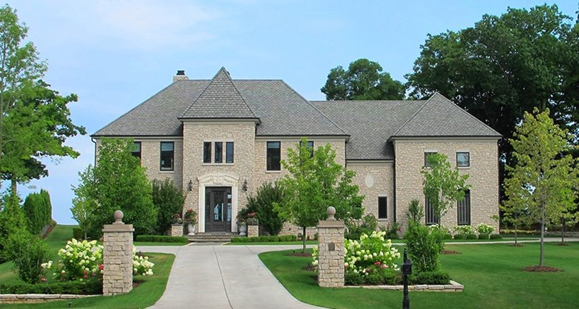 Luxury Home in Milwaukee - Powers Realty Group