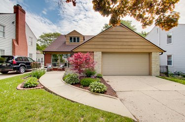 6048 N Lydell Ave Whitefish Bay WI 53217
