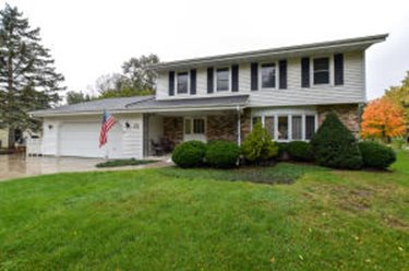 4931 S 82nd St Greenfield WI 53220