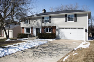 6167 N Lake DR Whitefish Bay WI 53217