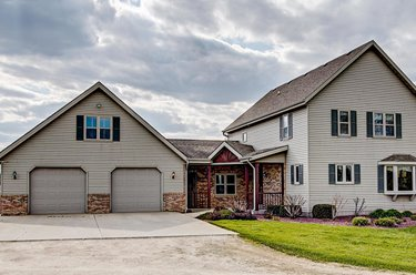541 Knollwood Rd West Bend, WI 53095