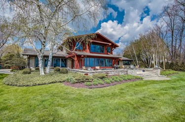 10530 N Circle Rd Mequon WI 53092