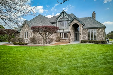 10704 N Beechwood Dr Mequon WI 53092