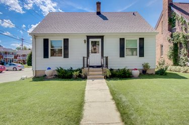 2723 N 73rd St Wauwatosa, WI 53210