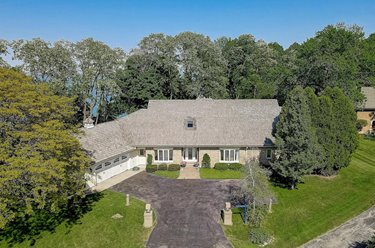 1260 E Donges Ct Bayside WI 53217